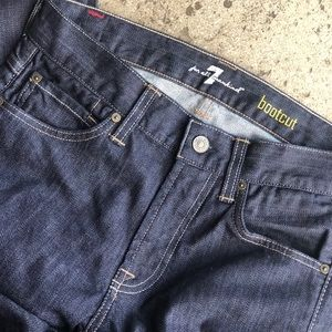 7 FOR ALL MANKIND BOOTCUT JEANS - Size 29